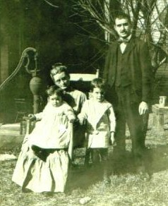 Abraham Loeb family cropped