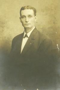 charles-paysinger-17-years