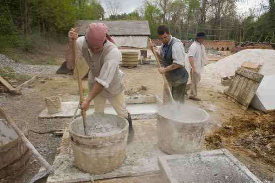 brickmaking-at-colonial-williamsburg
